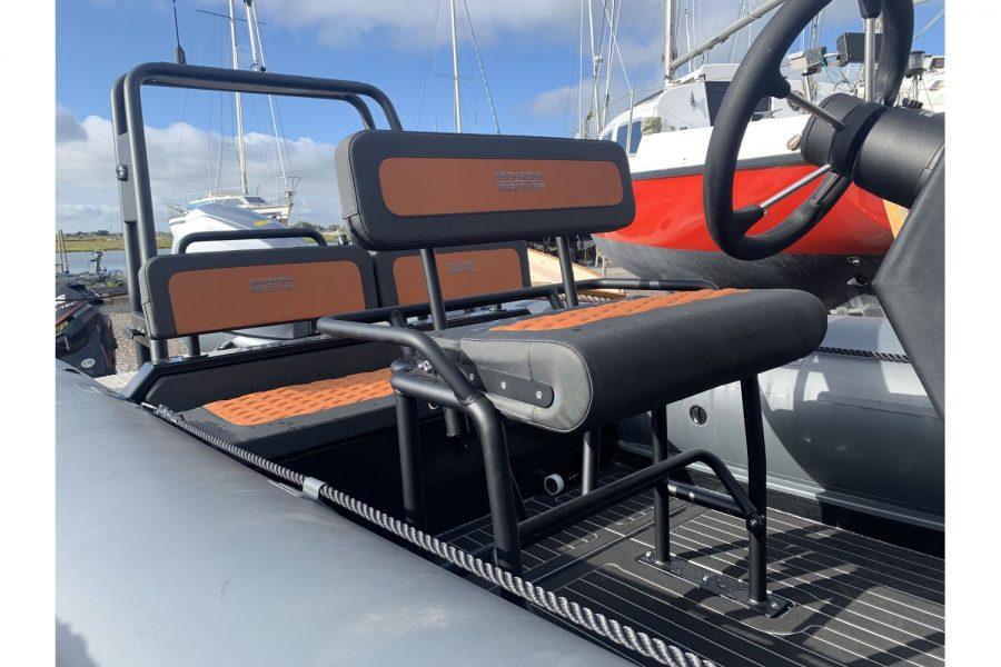 Highfield HX6 Aluminium RIB - helm seat