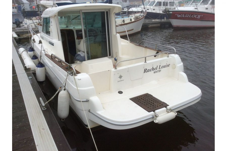 Jeanneau Merry Fisher 695 diesel - on a pontoon