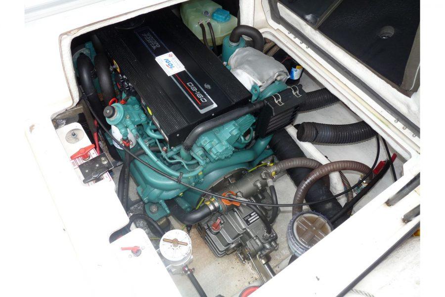 Jeanneau Merry Fisher 695 diesel - Volvo inboard diesel engine