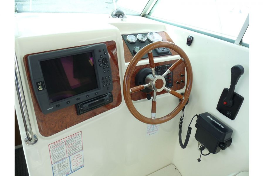 Jeanneau Merry Fisher 695 diesel - engine controls