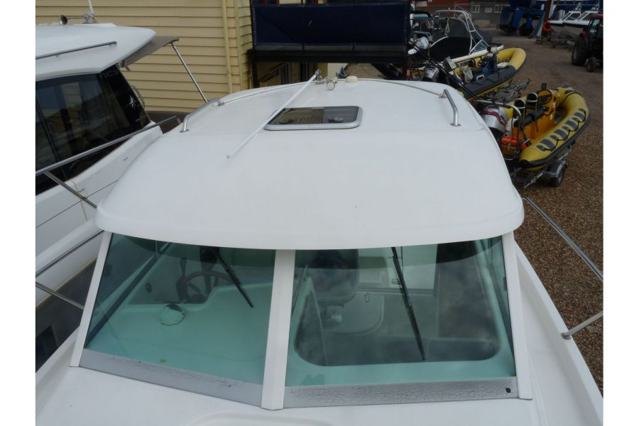 Jeanneau Merry Fisher 695 diesel - wheelhouse roof