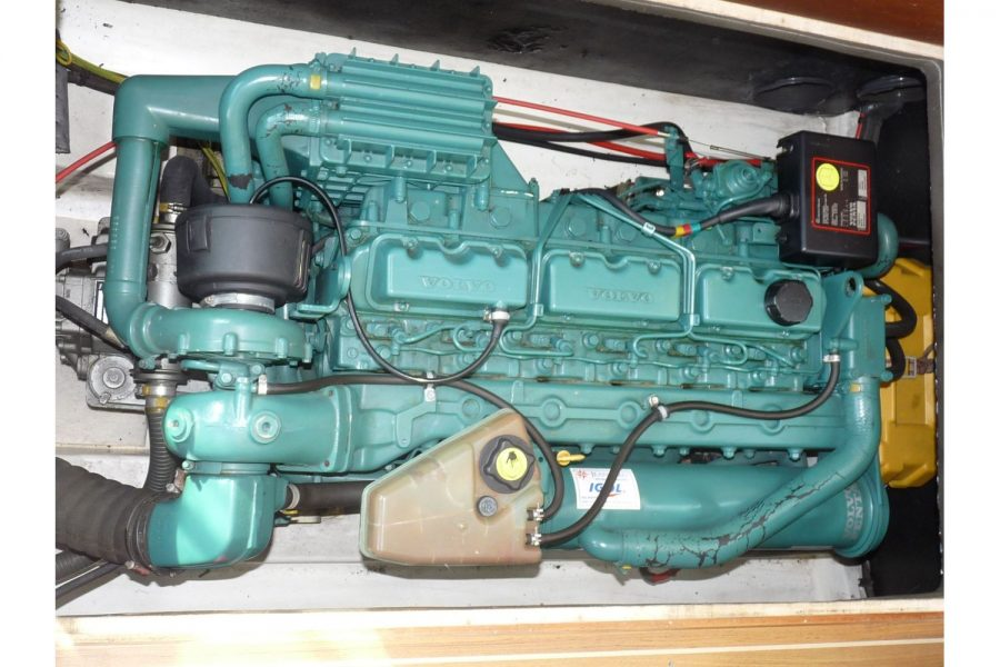 Jeanneau Merry Fisher 805 diesel - Volvo inboard engine