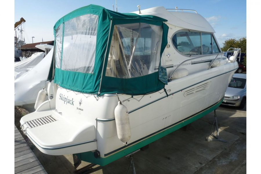 Jeanneau Merry Fisher 805 diesel - bathing platform and canopy