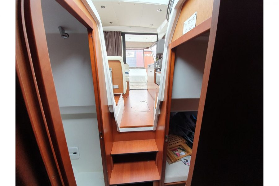 Jeanneau NC 9 diesel cruiser - view from cabin towards aft