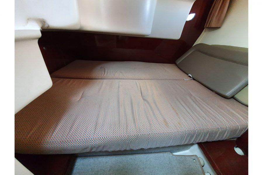 Jeanneau Prestige 32 Flybridge - 2nd cabin