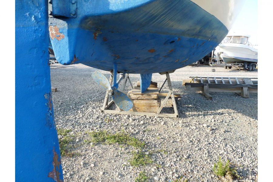 Jouet 820 cruiser yacht - keel and rudder