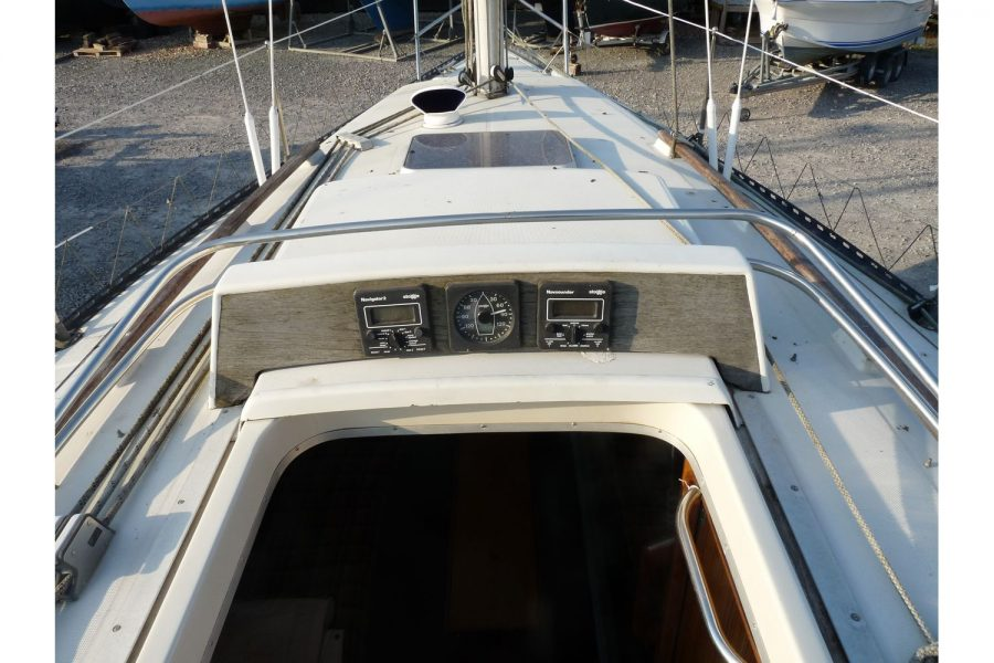 Jouet 820 cruiser yacht - coach roof and hatch to below deck
