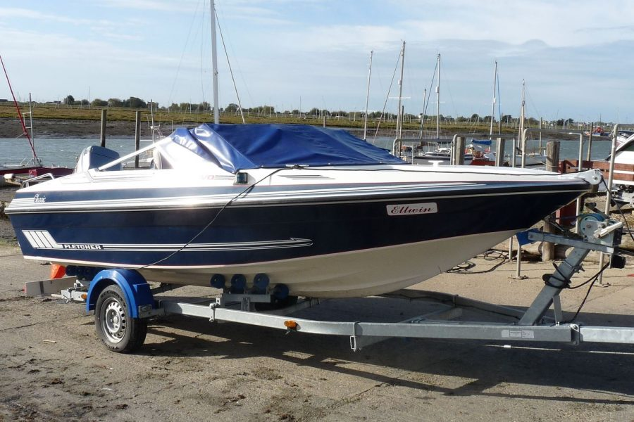 Fletcher Arrowhawk Classic Bravo 181 sportsboat - starboard bow with tonneau cover