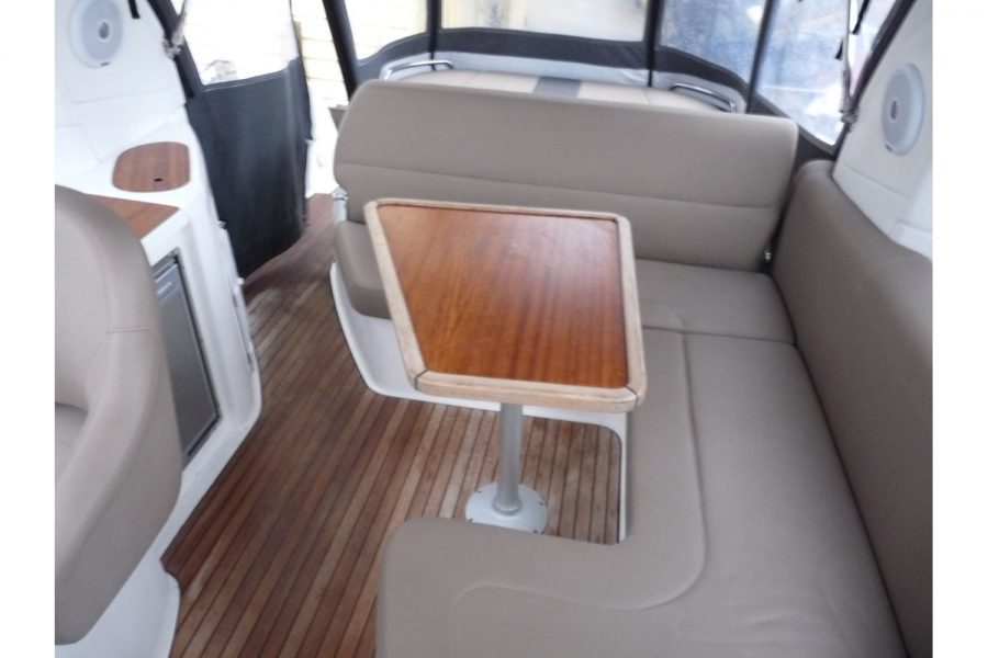 Bavaria 29 sports cruiser - U shape aft seating and table