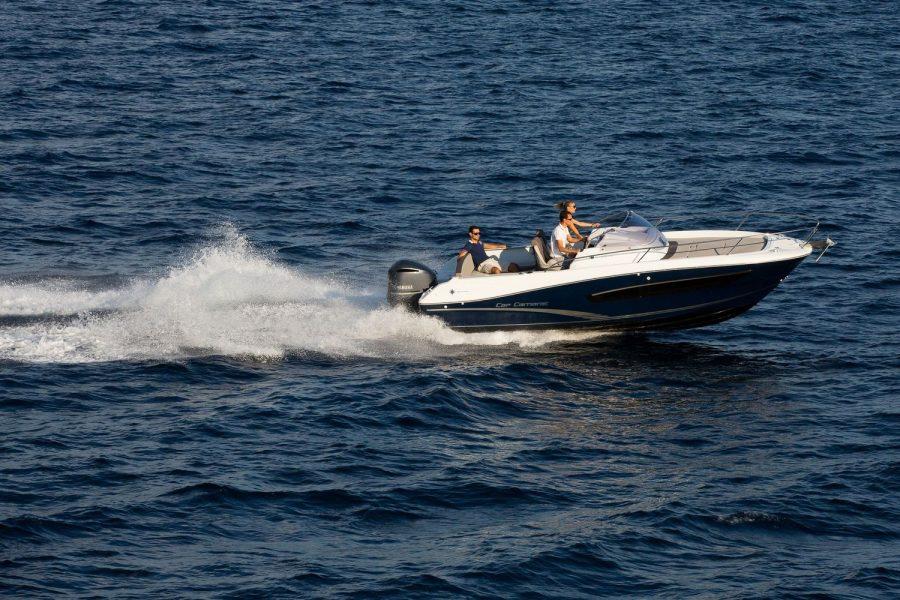 Jeanneau Cap Camarat 7.5 WA - Series 2 - on the water