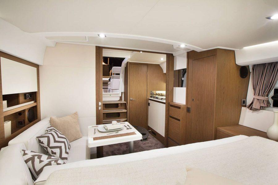 Jeanneau Leader 36 diesel sports cruiser - cabins