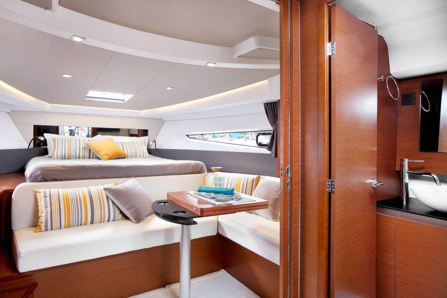 Jeanneau Leader 36 diesel sports cruiser - forward cabin