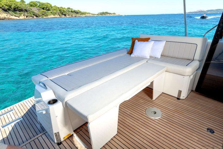 Jeanneau NC 37 - aft sofa converts to sunpad
