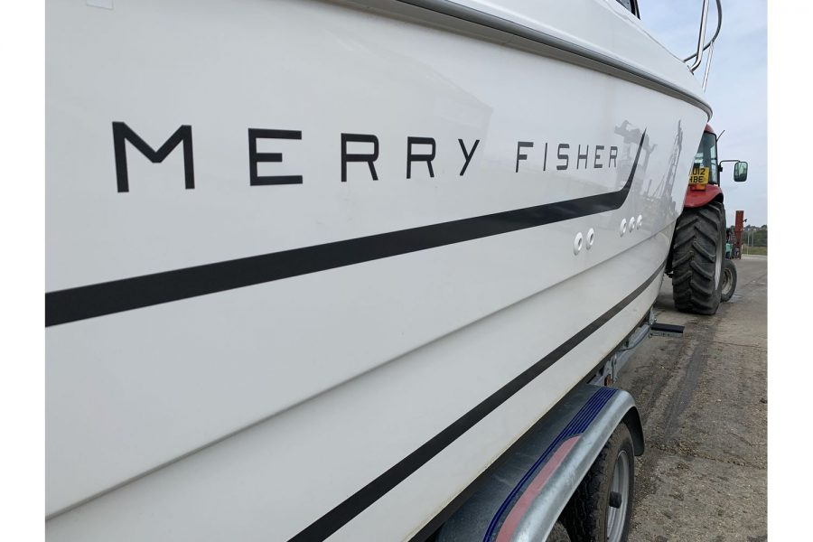 Jeanneau Merry Fisher 645 - Merry Fisher decals
