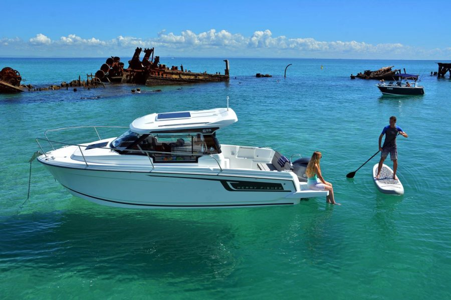 Jeanneau Merry Fisher 695 - fun on the water