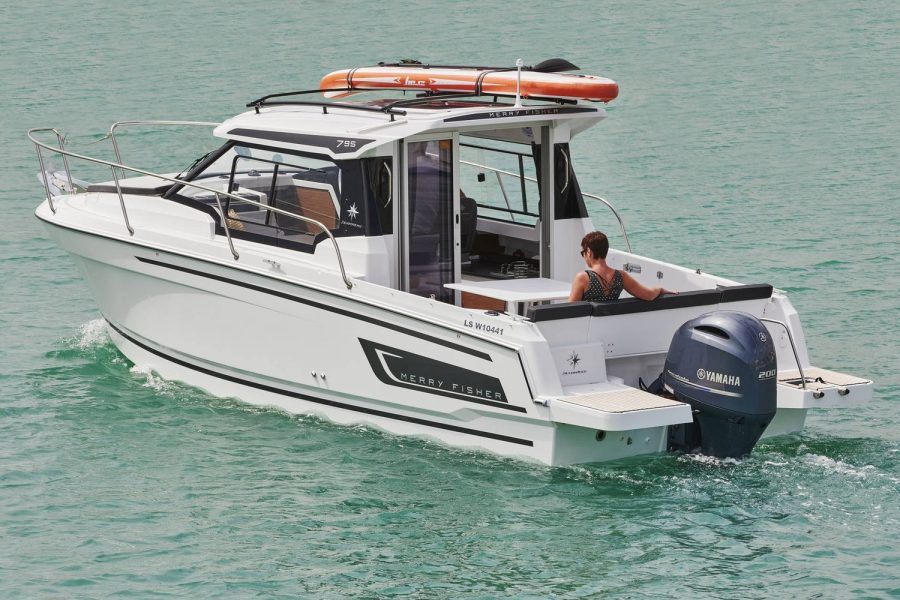 Jeanneau Merry Fisher 795 - port side view