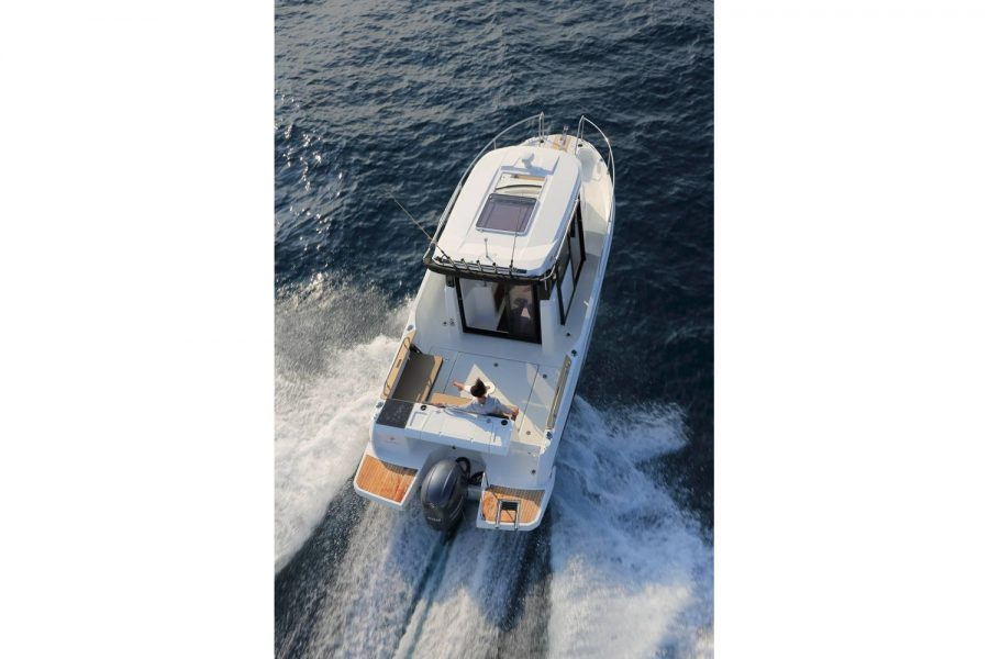 Jeanneau Merry Fisher 795 Marlin - overhead view from aft