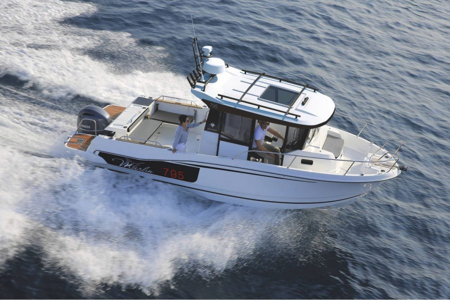 Jeanneau Merry Fisher 795 Marlin - on the water