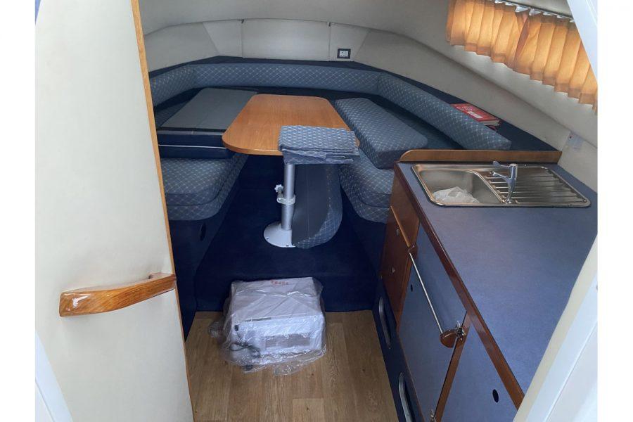 Hardy Mariner 25 - cabin