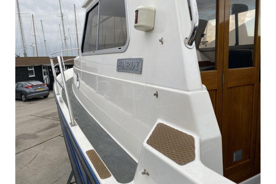 Hardy Mariner 25 - port side deck