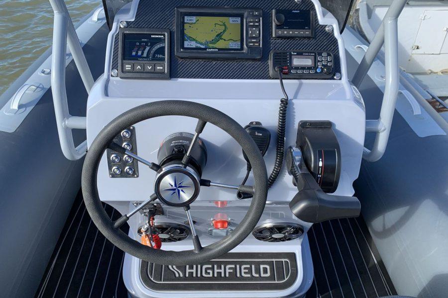 Highfield-SP-650-wheelhouse