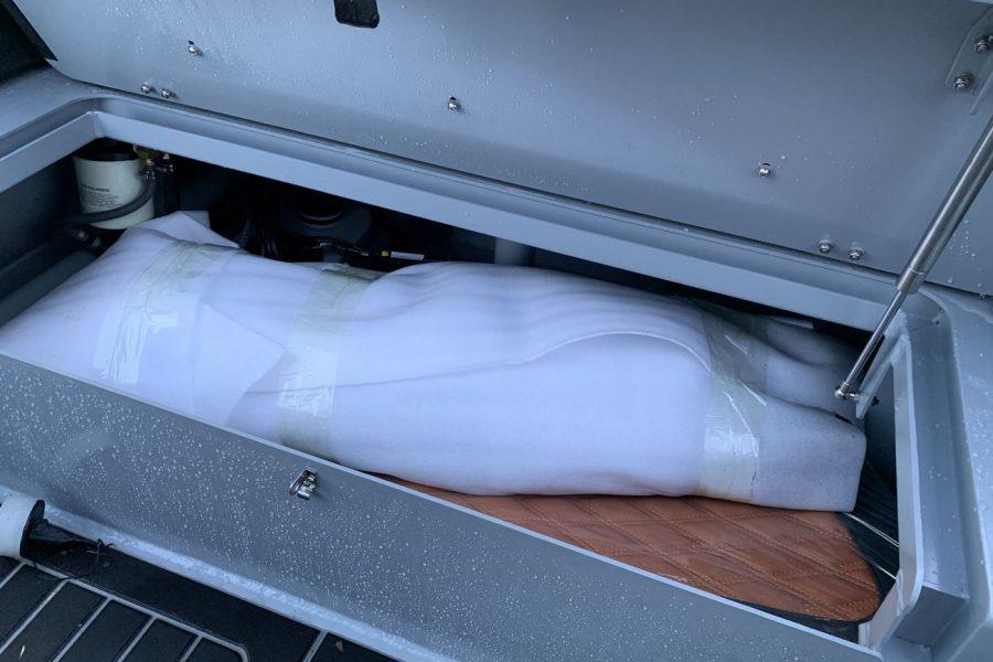 Highfield SP 560 aluminium RIB - storage compartment