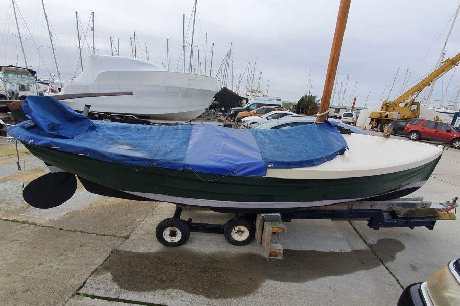 Character 18 coastal sailing yacht