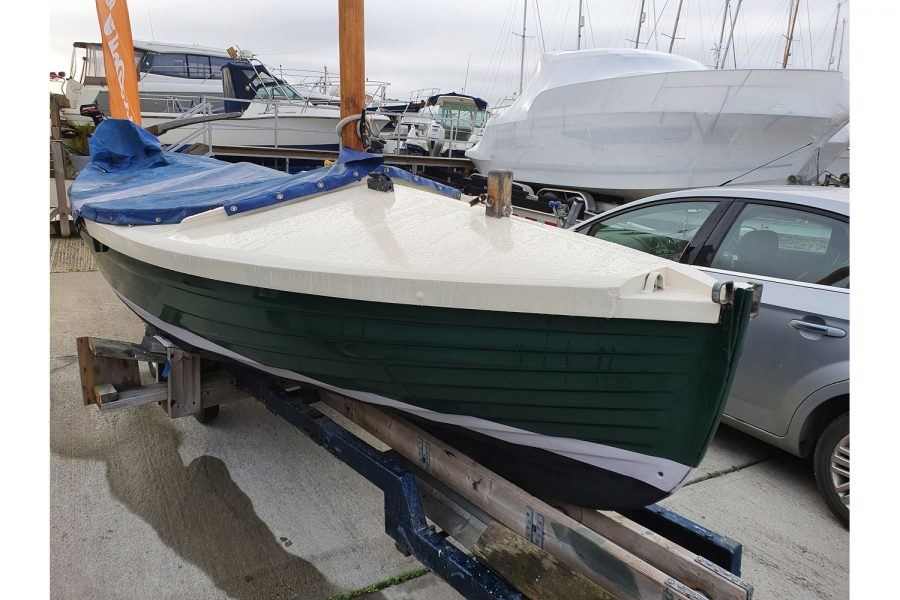 Character 18 coastal sailing yacht - starboard side bow
