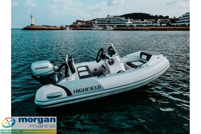 Highfield-SP-300-on-water