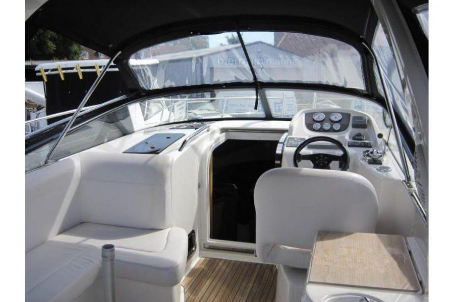 Bavaria 28 Sport - cockpit