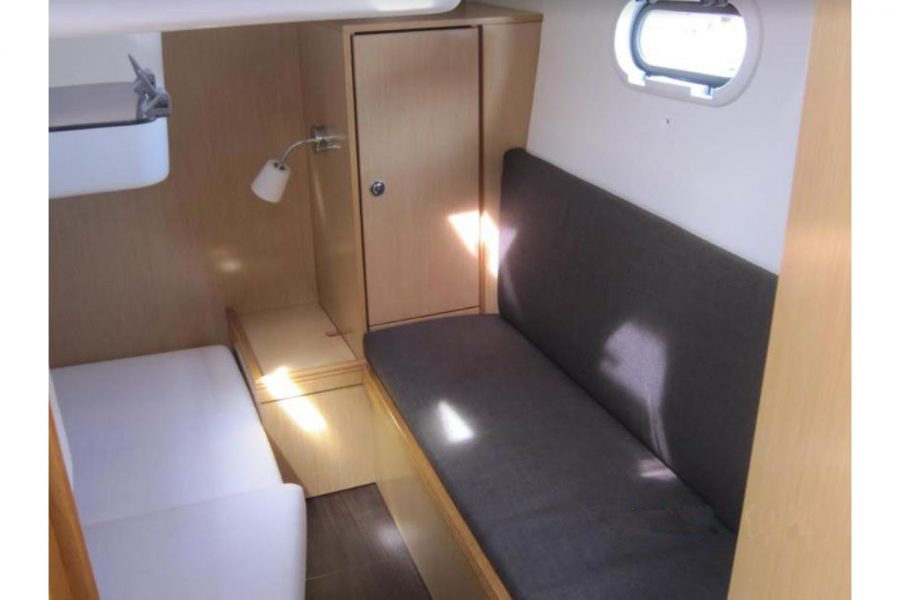 Bavaria 28 Sport - aft cabin