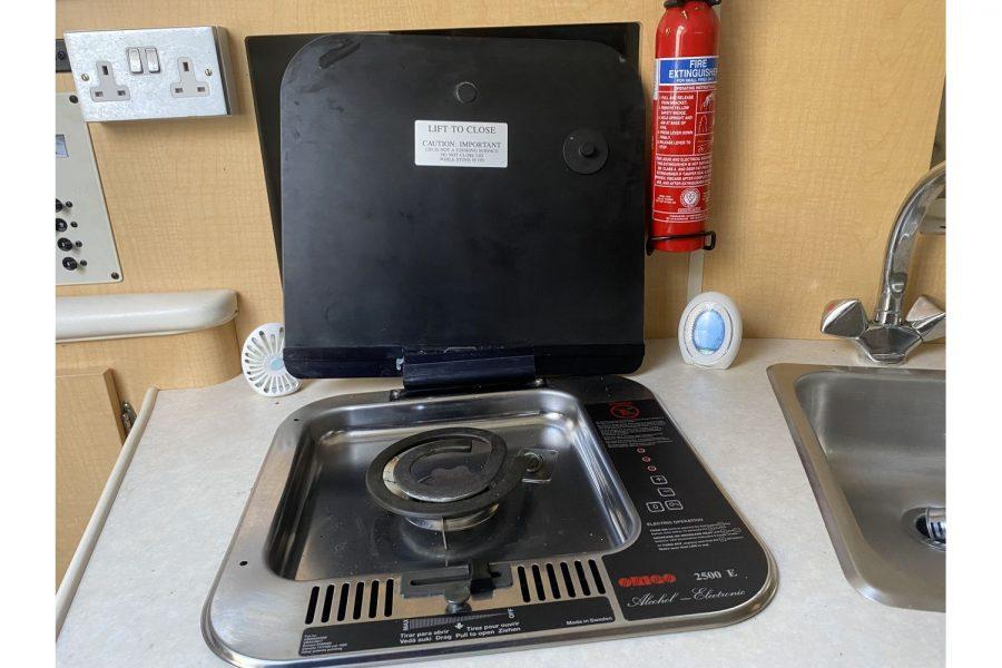 Bayliner-2655-stove