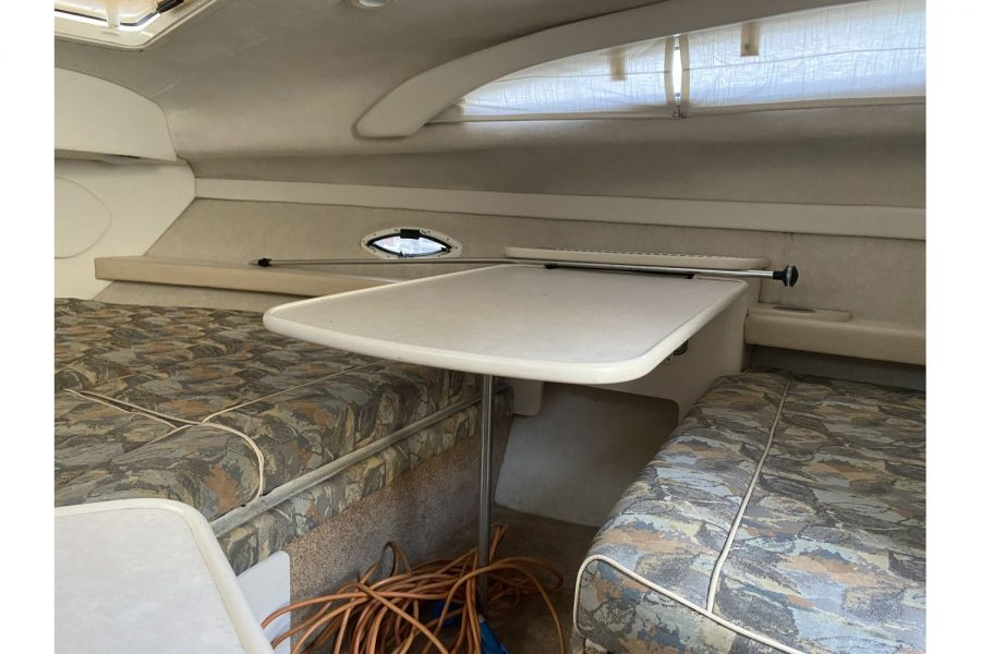 Bayliner-2655-berth
