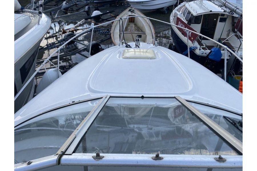 Bayliner-2655-deck