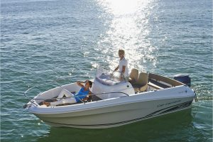 Jeanneau Cap Camarat 5.5 Center Console – Series 2