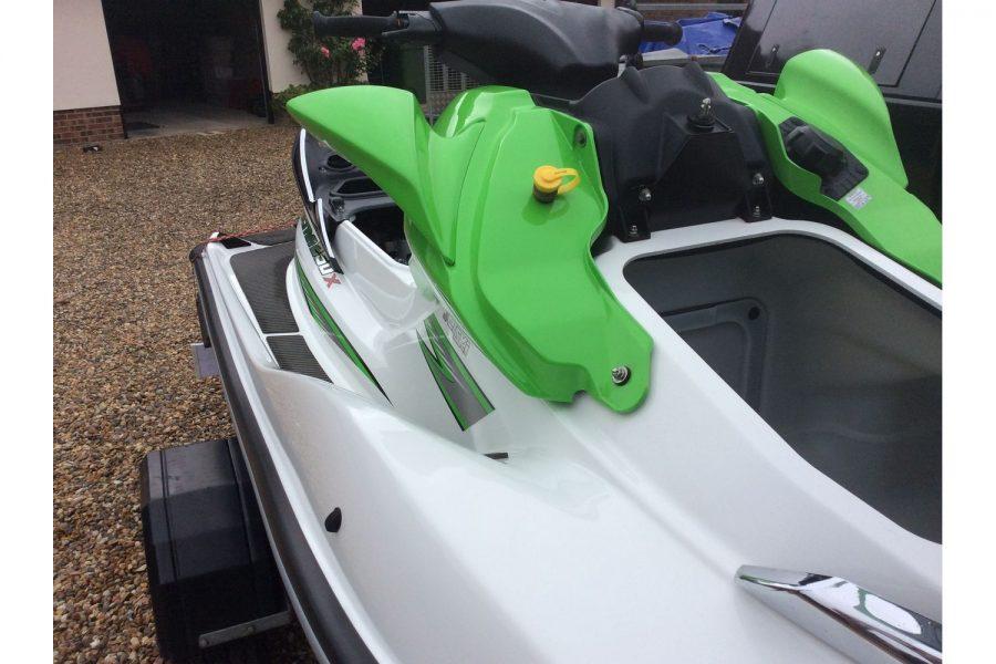 Kawasaki Ultra 250X jet ski - fuel