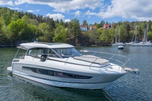 Jeanneau NC 37 – With Must Have Options