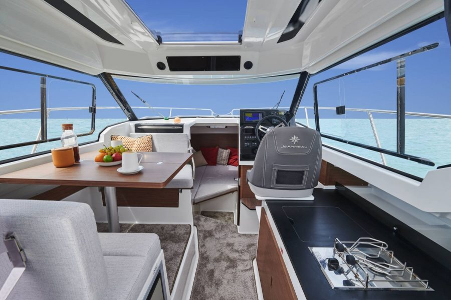 Merry-Fisher-795-S2-galley