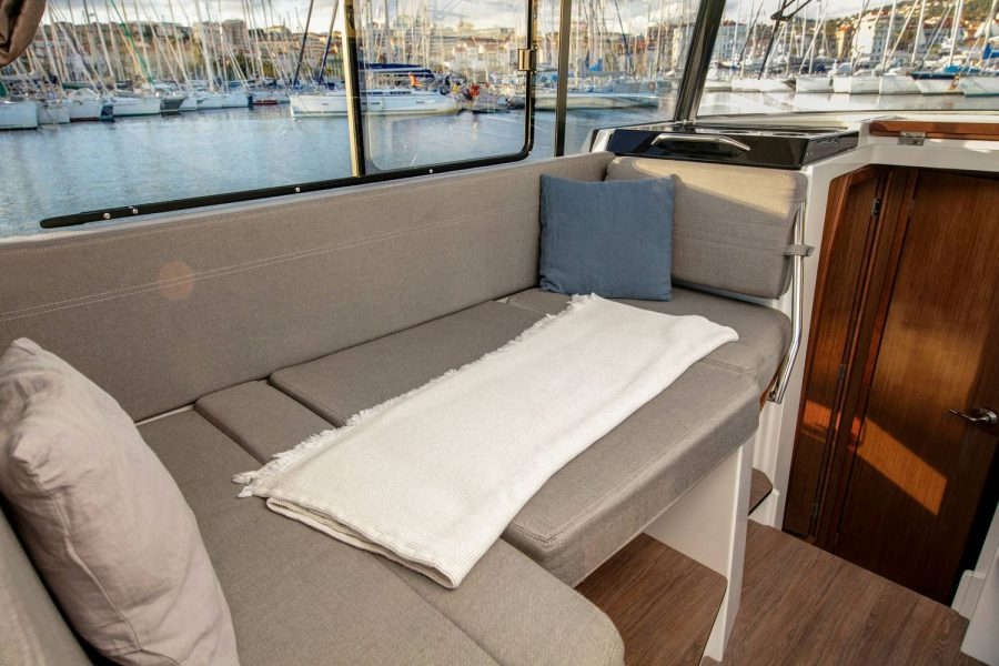 Jeanneau Merry Fisher 895 Marlin - saloon berth