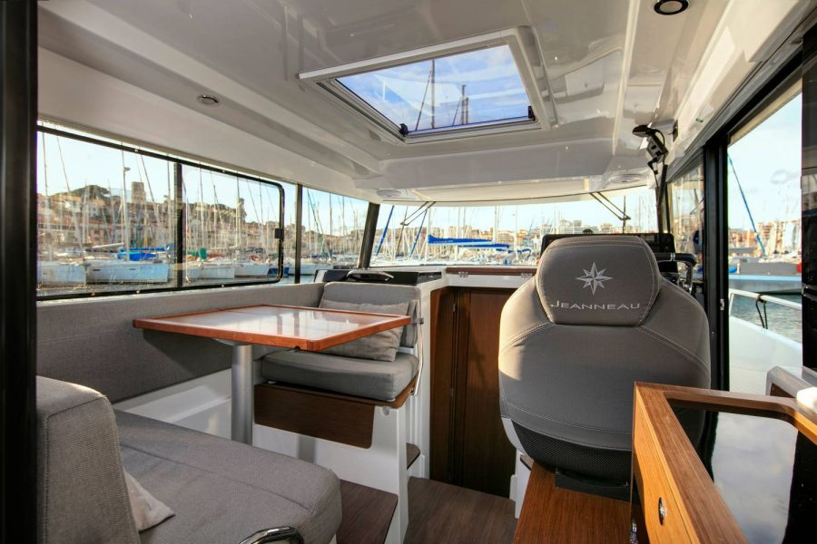 Merry-Fisher-895-Marlin-galley