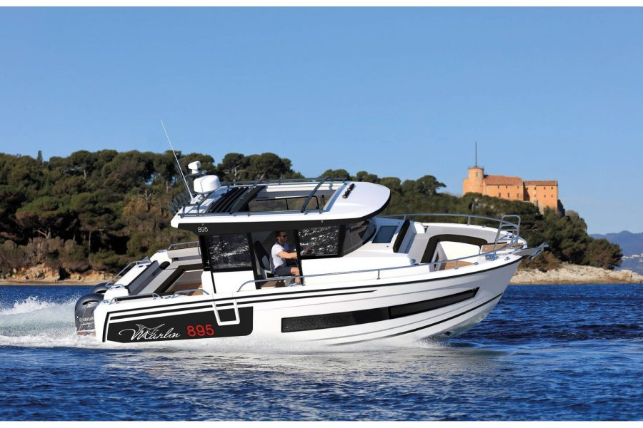 Jeanneau Merry Fisher 895 Marlin - cruising