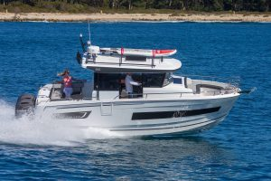 Jeanneau Merry Fisher 895 Marlin – With Must Have Options