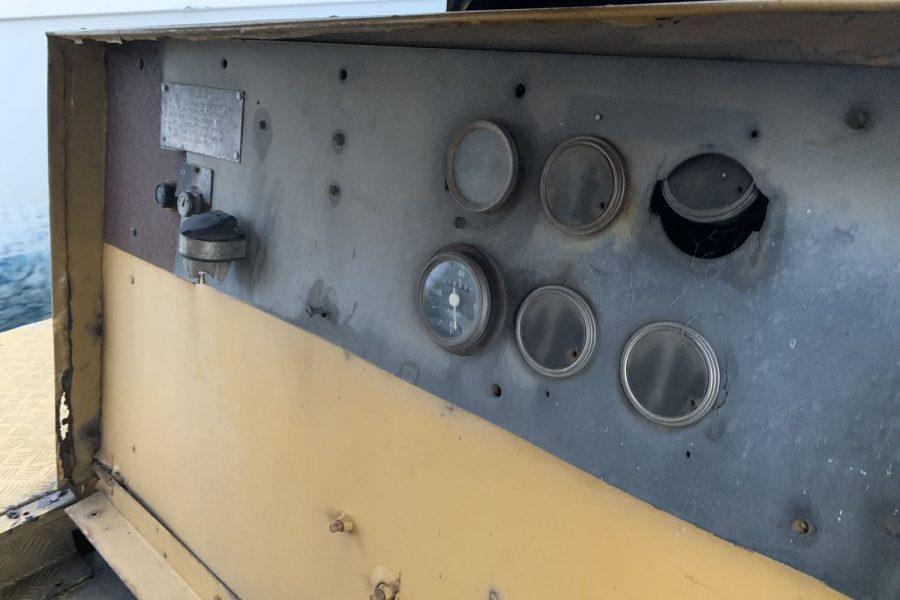 Coles-Hydra-Husky-Crane-buttons