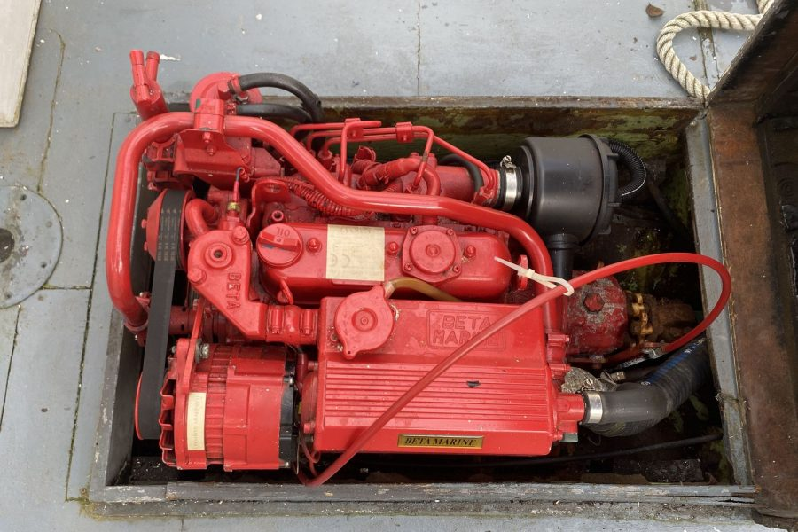 Maritime 21 fishing boat - inboard engine
