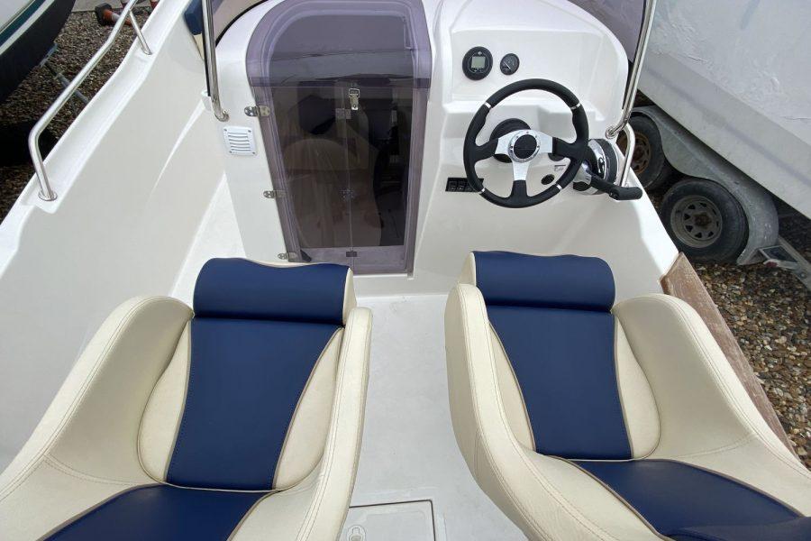 Avilla 250-cockpit
