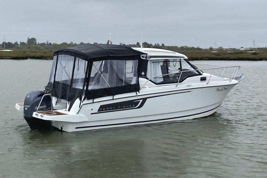 Jeanneau Merry Fisher 795 - starboard side