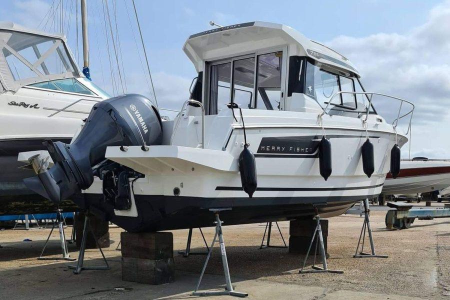 Jeanneau Merry Fisher 795 - in the boatyard