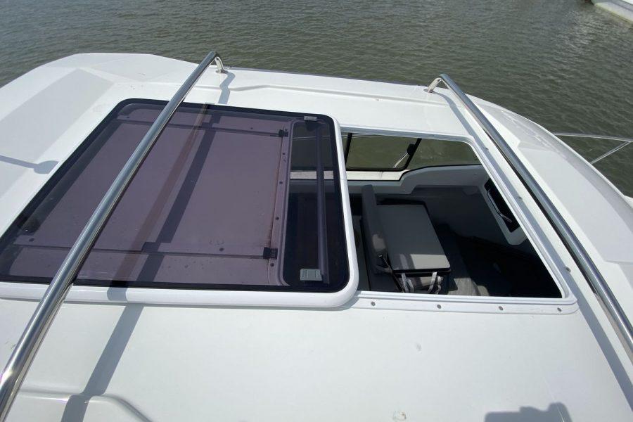 Last Leg -open-hatch