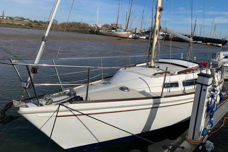 Jaguar27-side-water