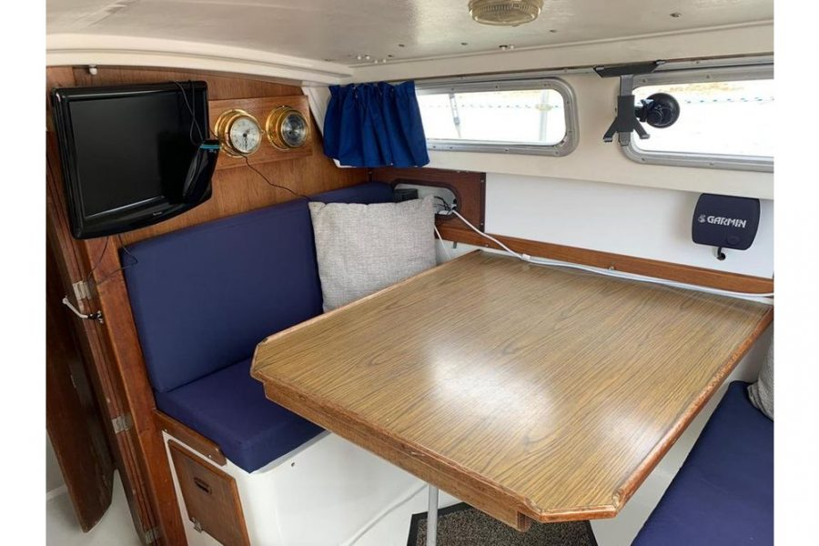 Jaguar27-table